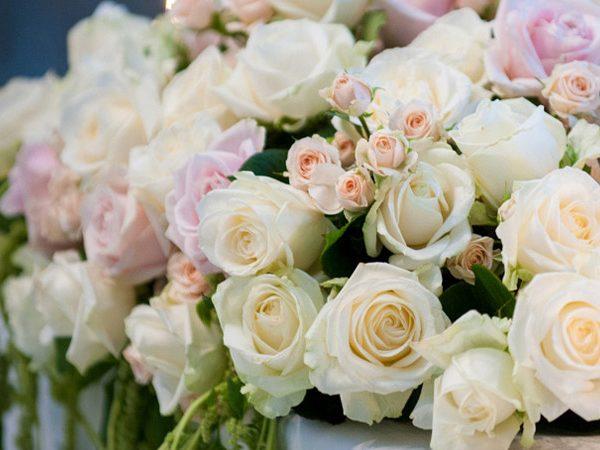 Application of Flower in a Wonderful Wedding