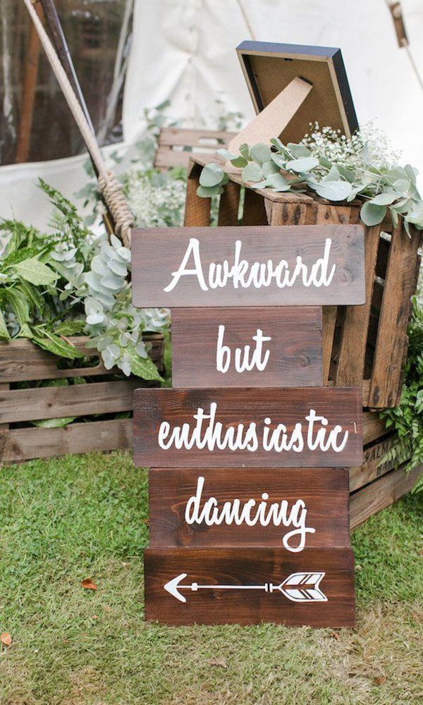15 Rustic Wedding Signs to Get You Inspired