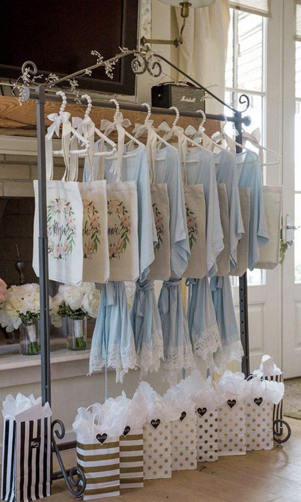 Bridal Shower Etiquette Tips for Destination Weddings