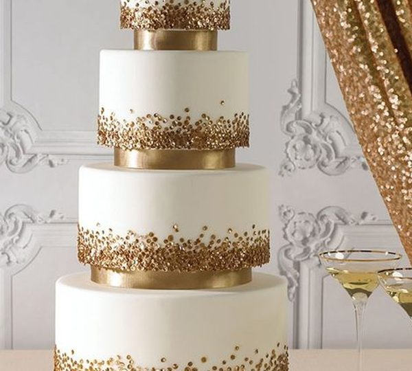 Glittery Gold Wedding Cakes To Shine Your Big Day