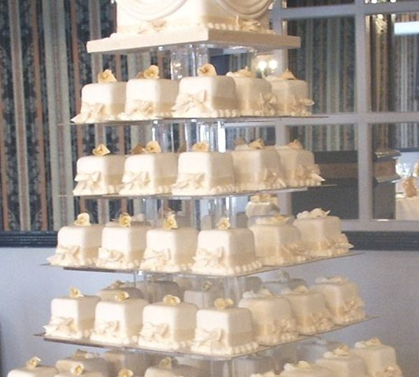 Unique Wedding Cakes to Rock Your Big Day