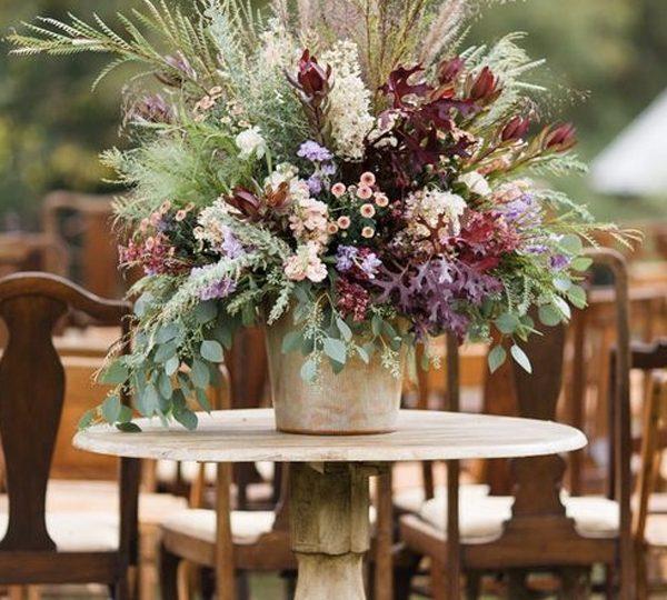 10 Stunning Fall Wedding Floral Arrangement Ideas For 2020