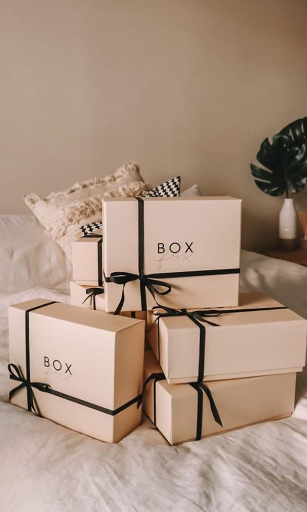 Do's and Don'ts of Opening Your Wedding Gifts