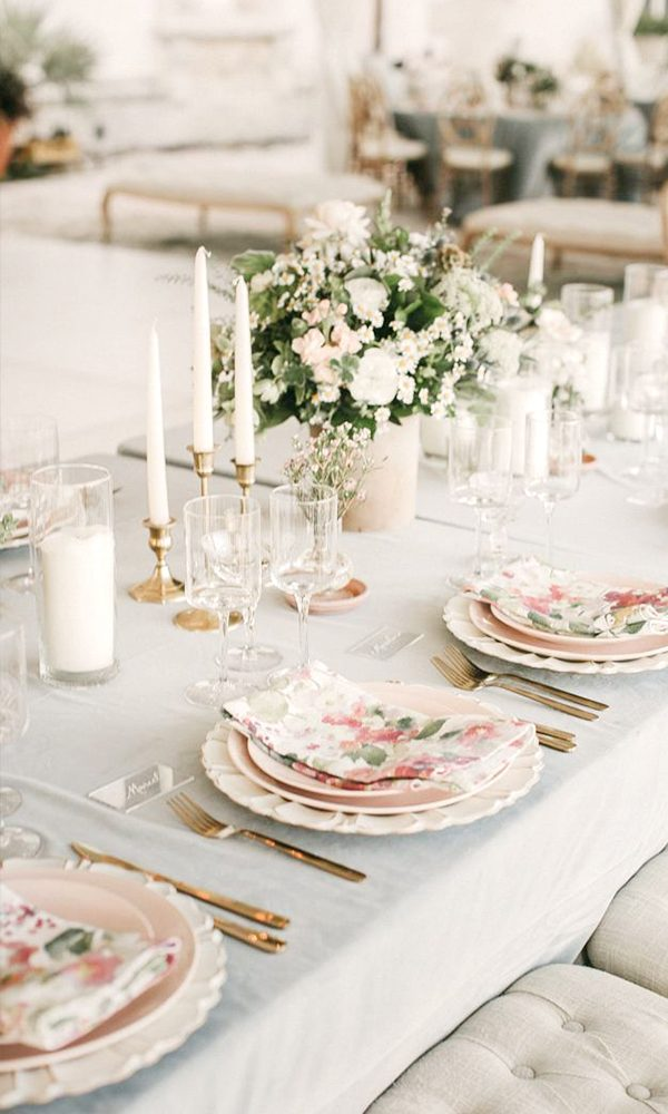 Everlasting Ecru Wedding Color Scheme for Elegant Brides