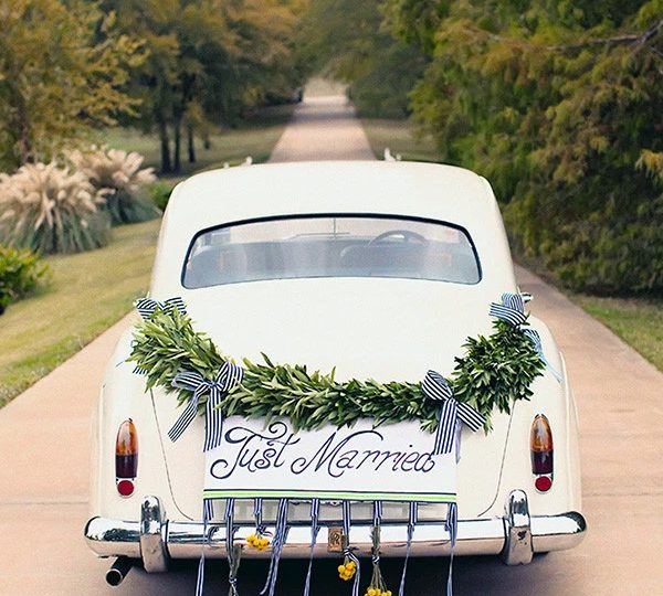 50+ Creative Ideas to Decorate Your Wedding Car