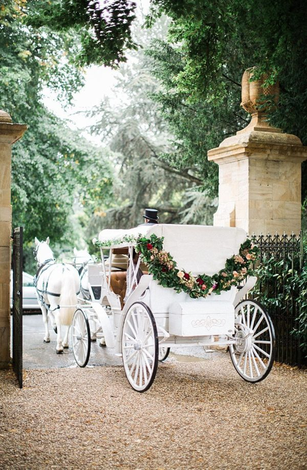 Floral Garland -30+ Creative Ideas to Decorate Your Wedding Car