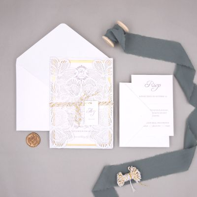 Classic White Laser Cut Wedding Invites With Champagne Mirror Paper Bottom Card And Tag PWIL098